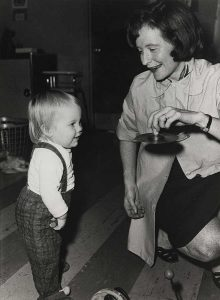 Bettye Caldwell talks with a young child