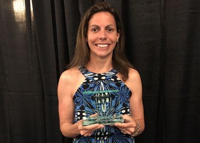 Pauline-with-Vera-House-award
